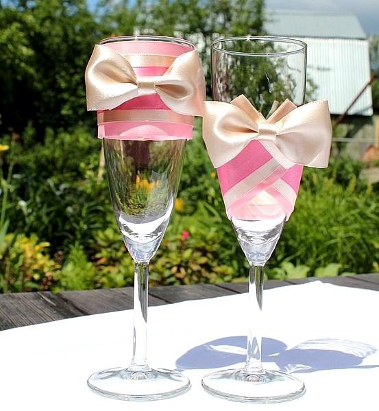 Фото украшений бокалов на свадьбу