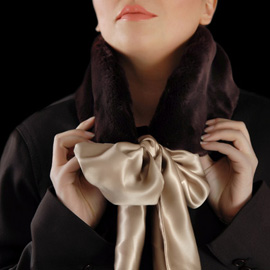 Как завязать шарф или платок на шее
