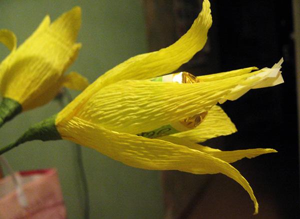 Конфетный цветочек лилия