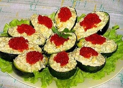 Рецепт Оригинальный салат на день рождения подсолнух с фото.