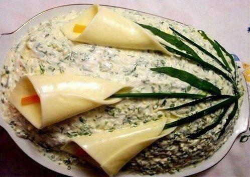 новые вкусные салаты с фото: салат из минтая с крабовыми палочками...