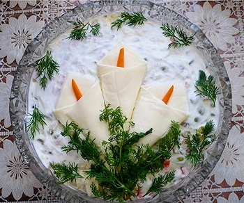 салат с йогуртом.