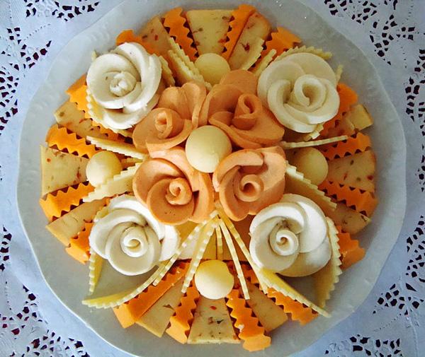http://supercook.ru/decoration/images-decoration/servirovka-narezka-11.jpg