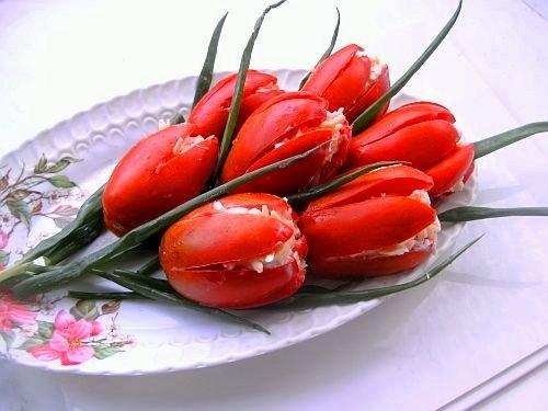 Предлагаю приготовить вот такие вкусненькие и красивые тюльпанчики.