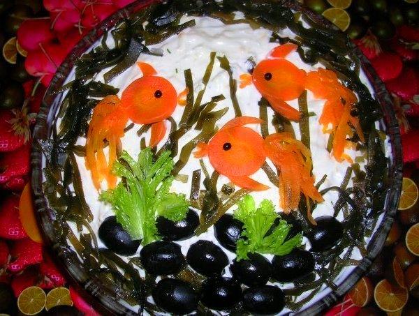 салаты рецепты с оформлением огурцы помидоры ветчина...