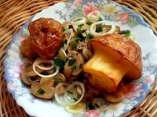 Как правильно приготовить кальмары с луком