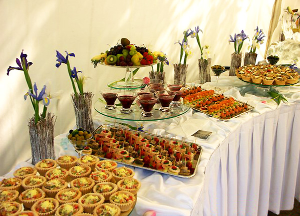 Фото фуршетного стола на свадьбу 100