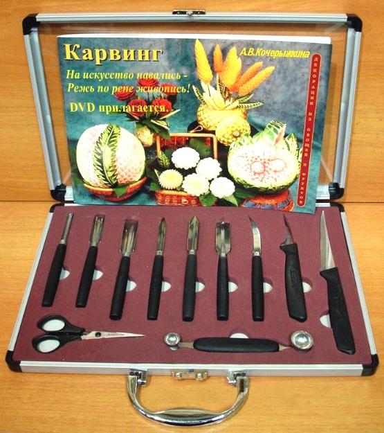 Для карвинга в продаже имеются разнообразные наборы режущих инструментов.