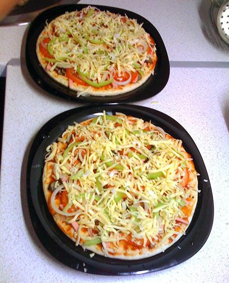 В микроволновку пицца из слоеного теста рецепт