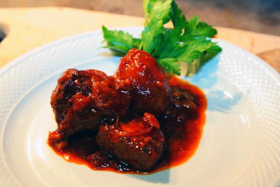 Блюдо из грибов трюфелей